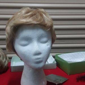 Valerie petite Est Estica front lace wig